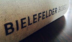 Bielefelder Bibel – Die Heilige Schrift in lesefreundlicher Form.